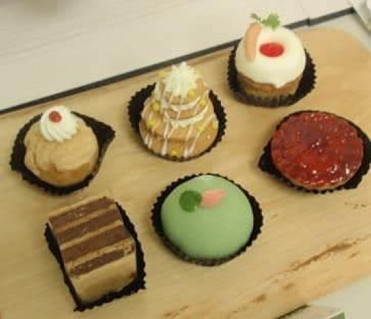 「プチケーキ詰め合わせ」 1,260円