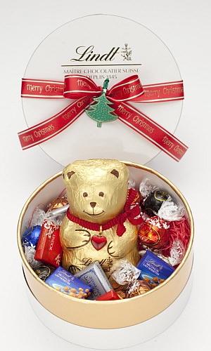 お菓子に囲まれて、うらやましい!