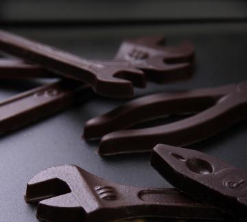 人気の工具型チョコ「チョー!ユニックシリーズ」のペンチ、スパナ、モンキー