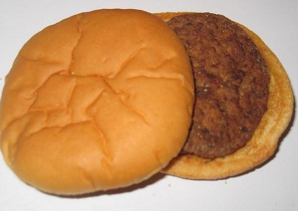 1999年に購入されたハンバーガー(出典:CBS Television Distribution)