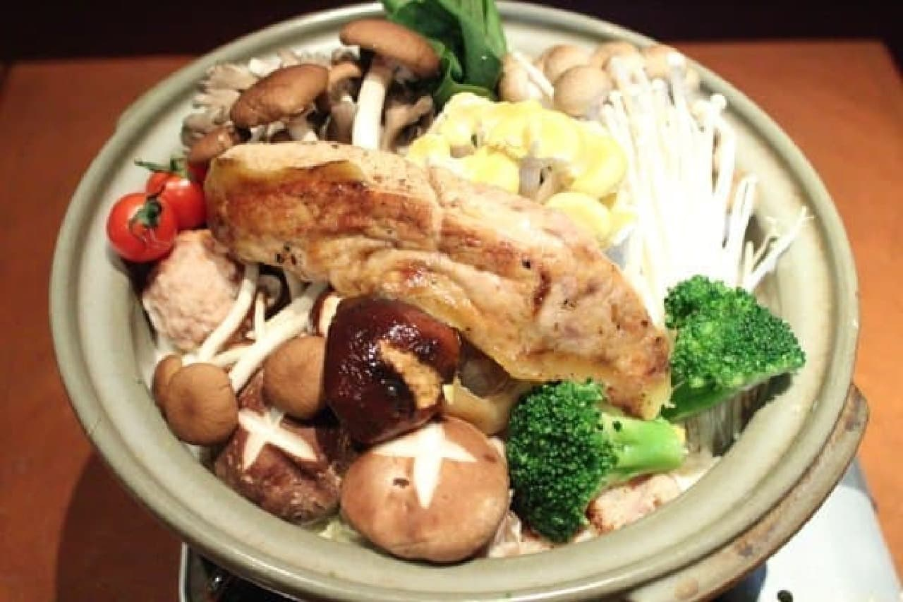 洋食の経験を活かして絶品鍋に (写真は2人前)