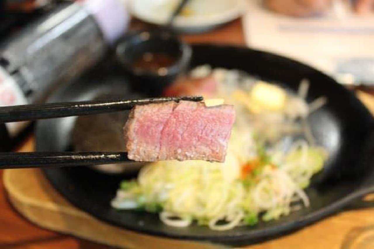 柔らかい肉厚ステーキ