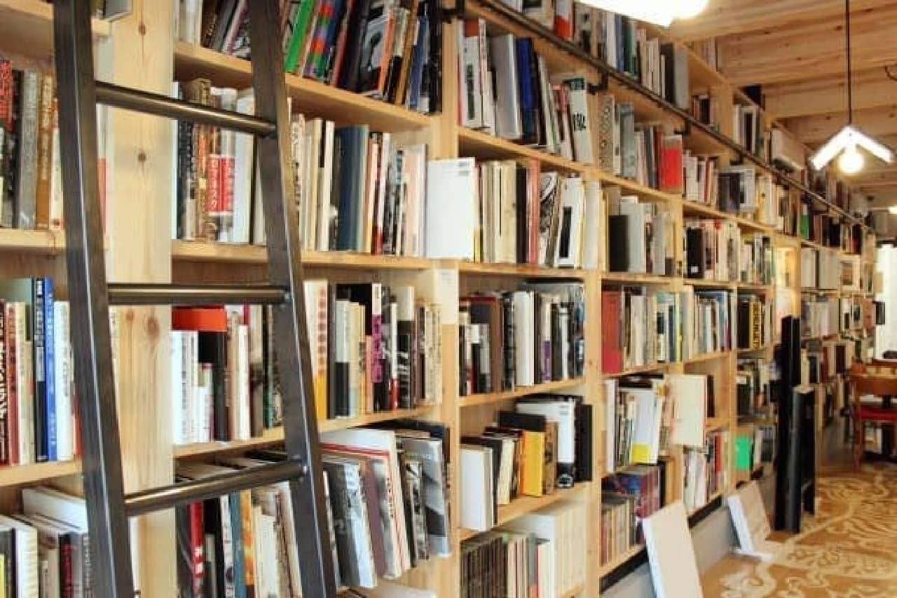 壁全体が本棚!