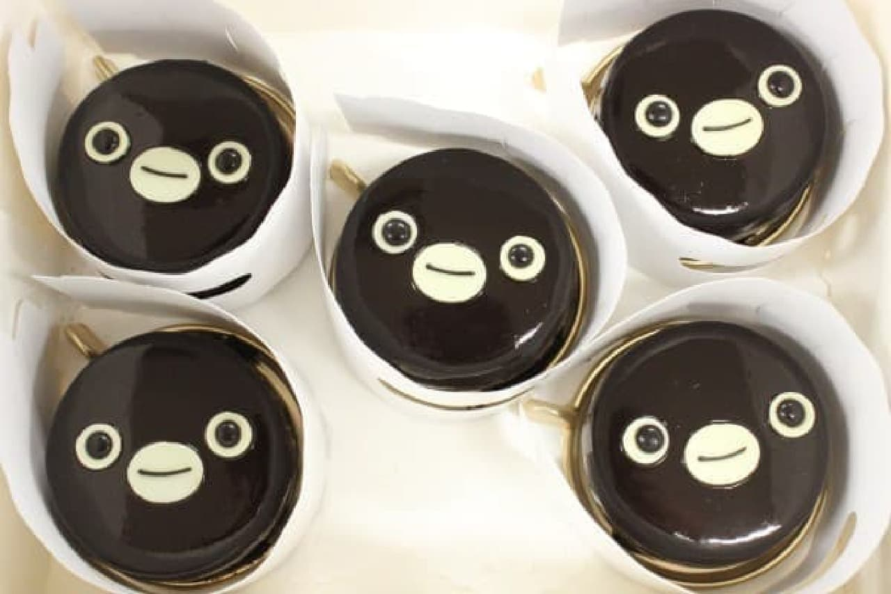 つやつや輝く「Suica のペンギン シーズンケーキ」
