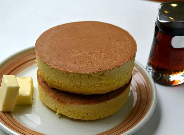 これが、イワタ珈琲店のパンケーキ!