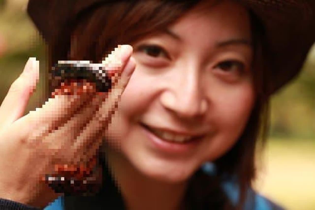 トークショーに出演する「虫ガール」メレ山メレ子さん