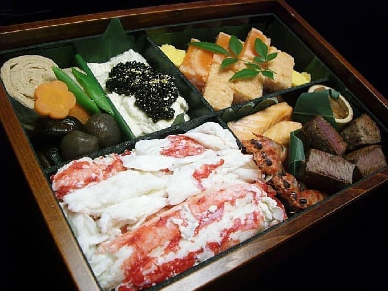 日光鱒鮨本舗の「日光埋蔵金弁当」  1個15万円です  家賃並み!