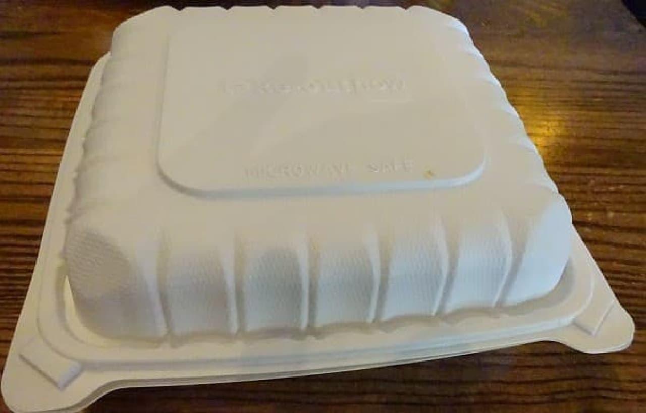 余ったパンケーキはドギーバッグに入れてホテルに持ち帰り、  昼ごはん&晩ごはんになりました