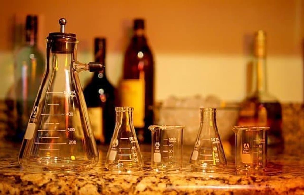 安定した形状で、ワインやウィスキーをこぼしにくい(?)