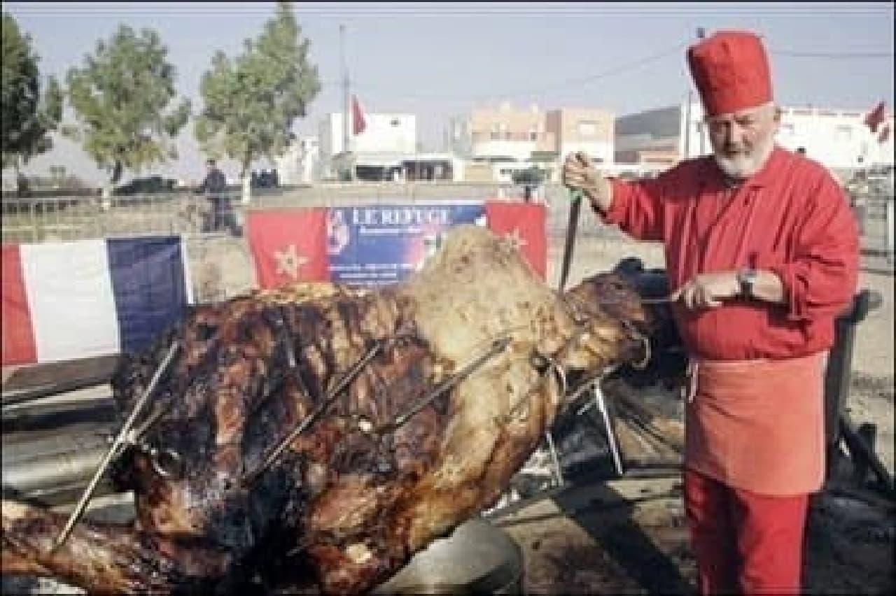 世界最大の料理「Whole stuffed Camel(詰め物をしたらくだの丸焼き)」