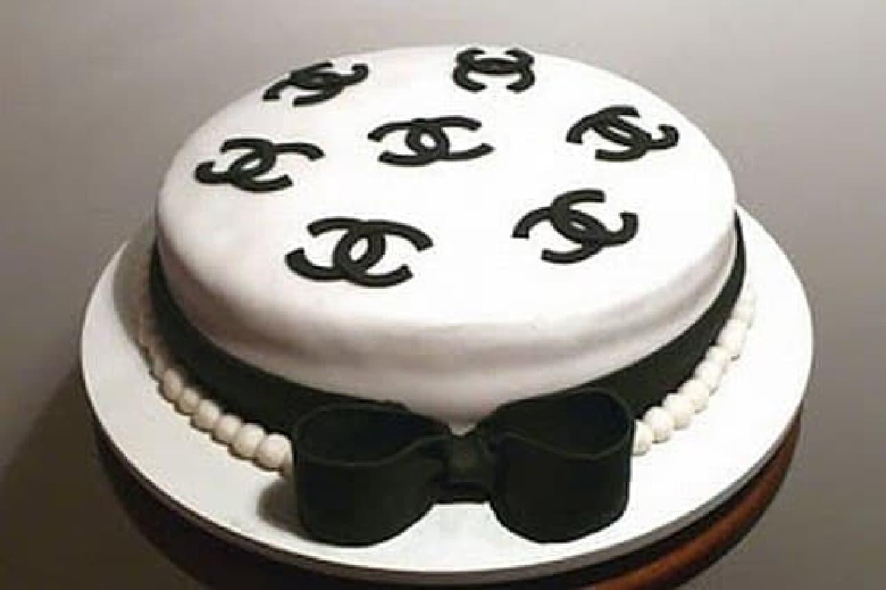 特注ケーキの例2:多分、あのブランドが好きな人向け