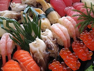 マレー氏は、一度に50個の寿司を食べる