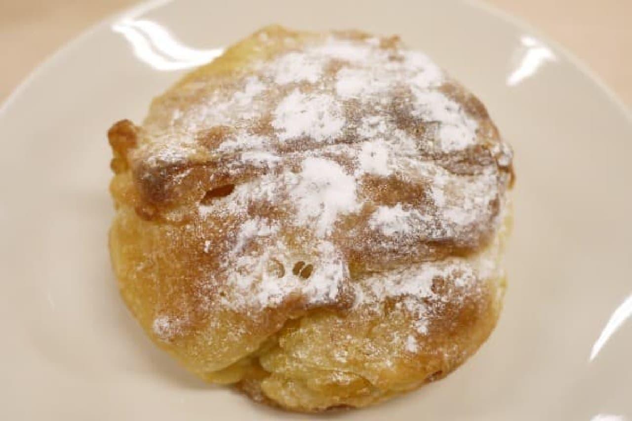 バターの香るフランスパンの中に・・・