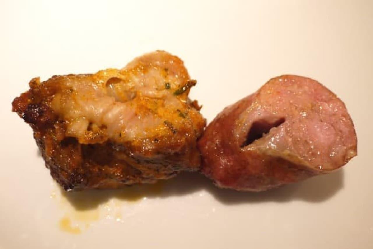 チキン(左)とソーセージ(右)