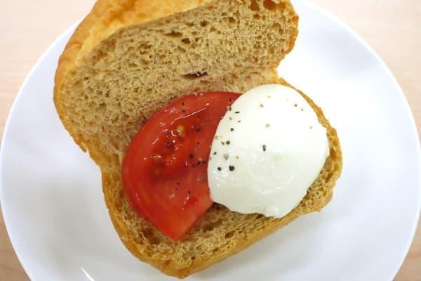 トマト+モッツァレラ