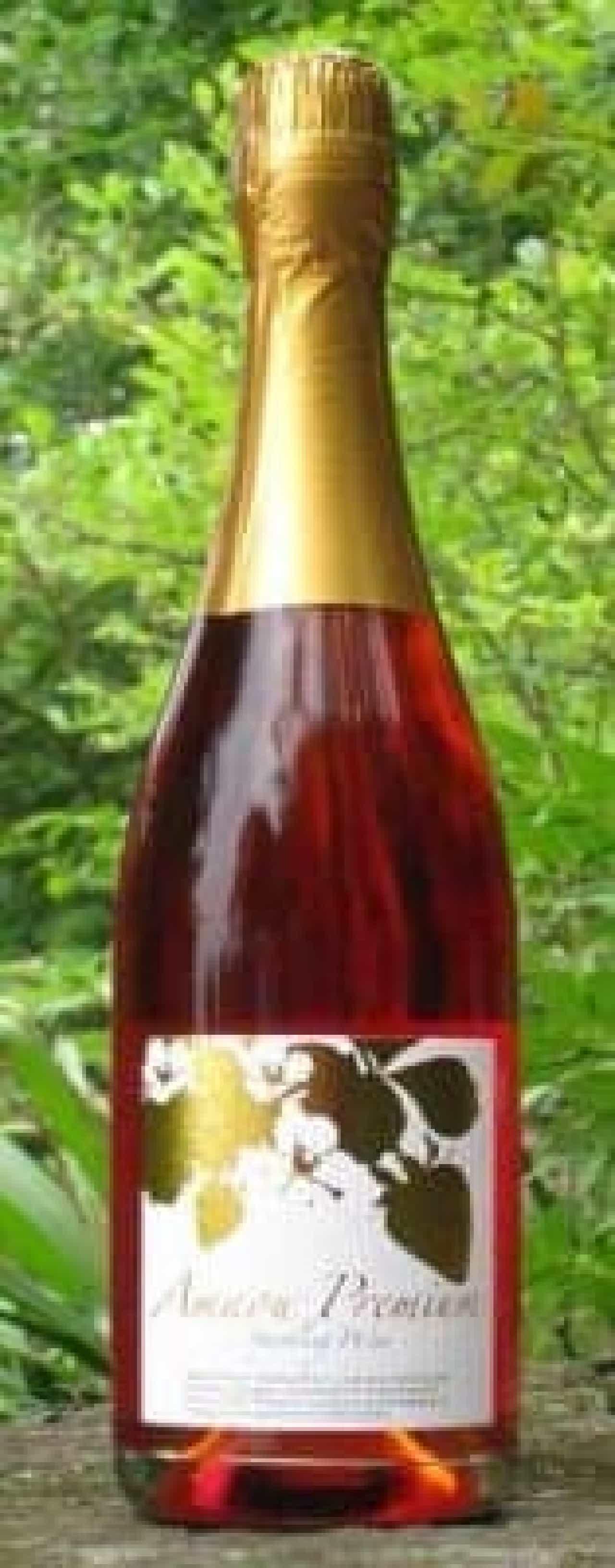 真っ赤ないちごのスパークリングワインはいかが?