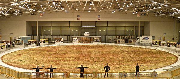 世界最大のピザ「OTTAVIA」 (出典:Business Wire)