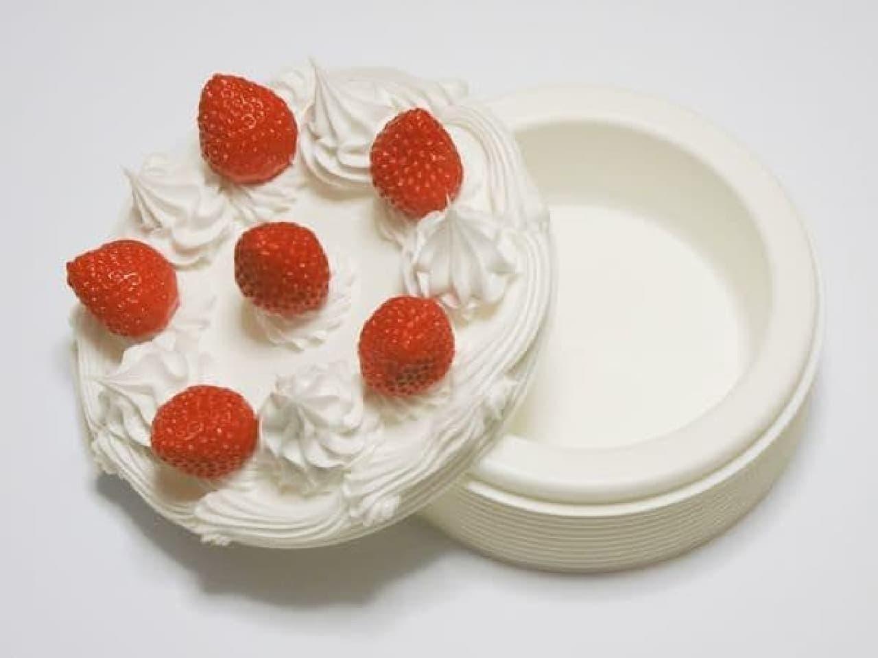 「シンプルなケーキね…」ぱかっ『結婚しよう』「…はい///」