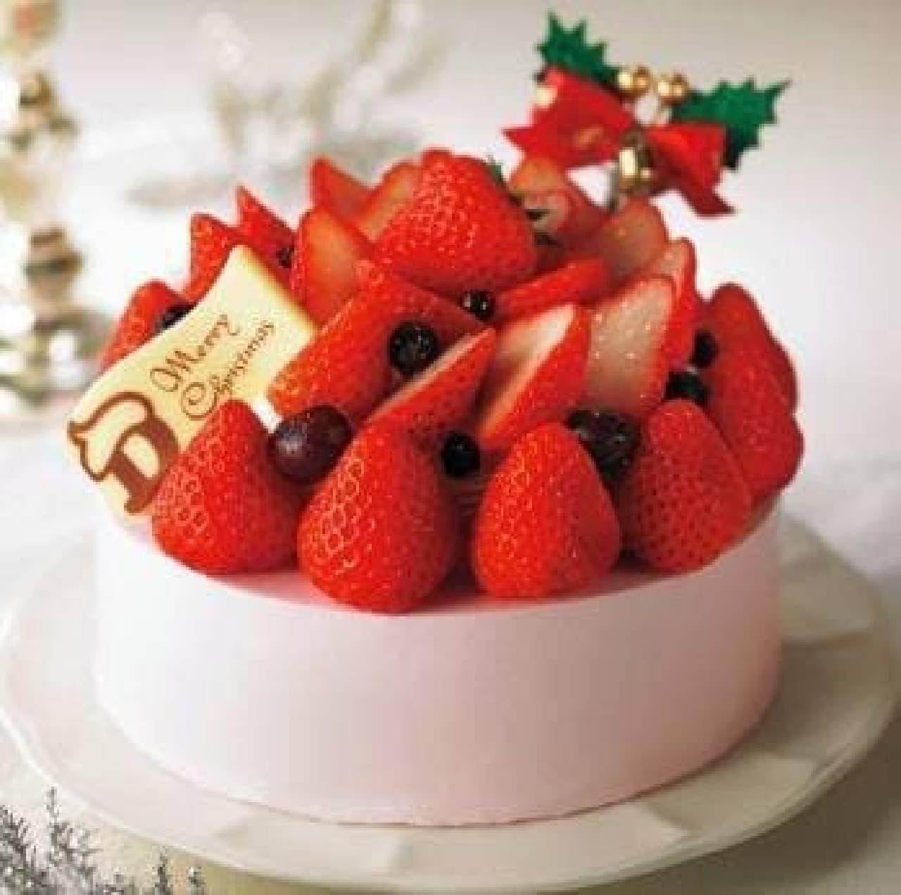 あまおうたっぷり!華やかな「苺のケーキ スペシャルファンタジー」