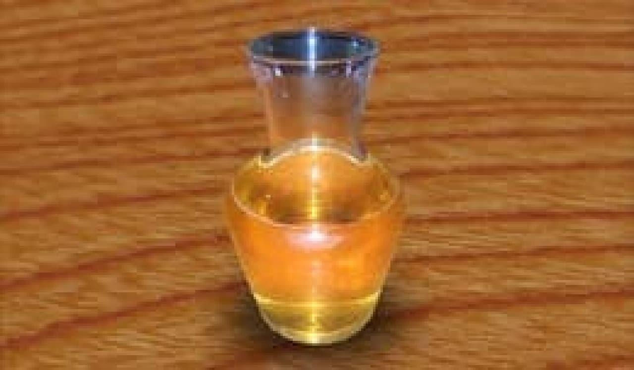 エスト瓶(500ml)  (出典:DARK SOULS Cafe)
