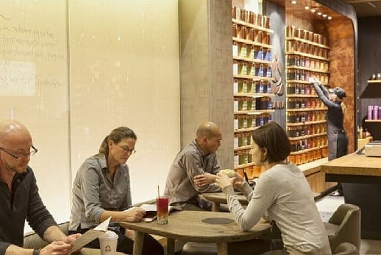 スターバックスがニューヨークにお茶バーをオープン