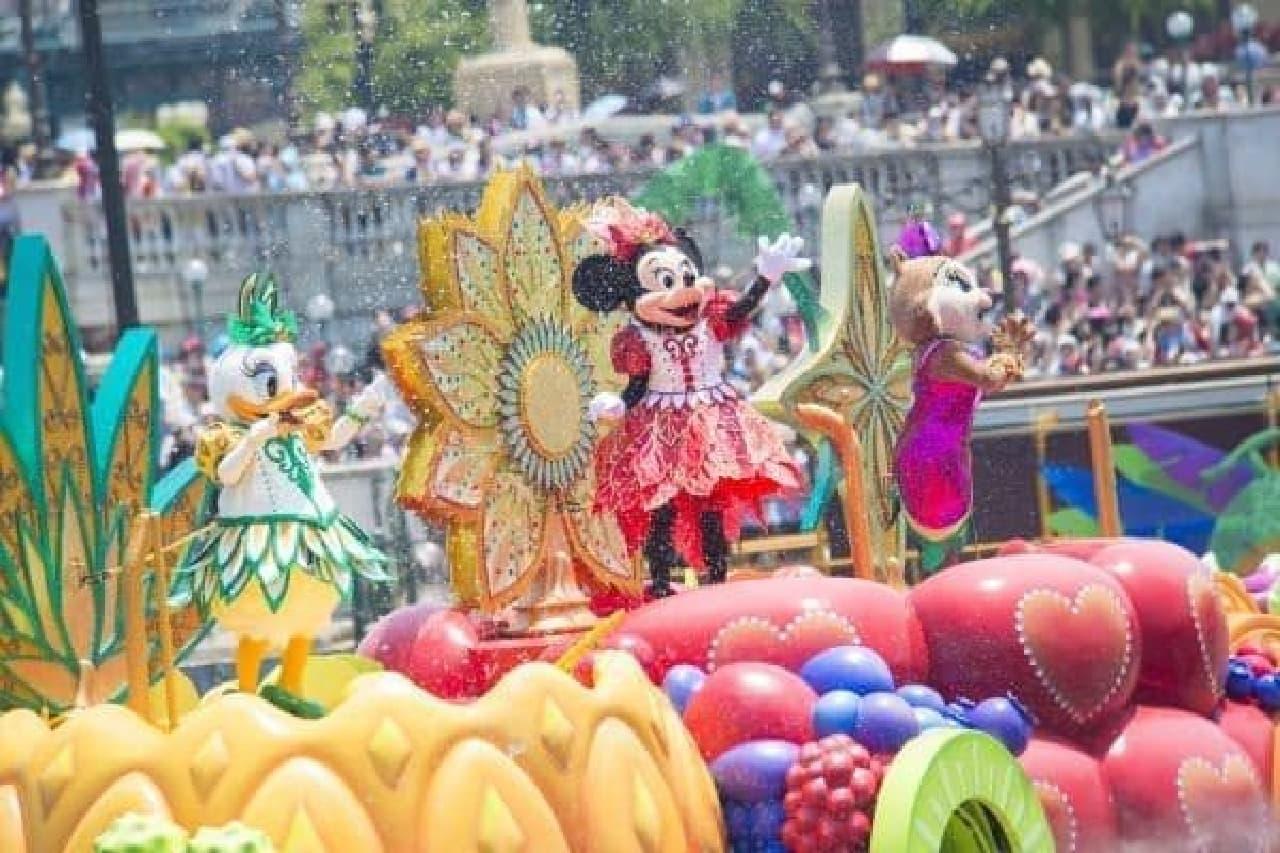 ミニーマウスが主役のウォータープログラム!   (C)Disney
