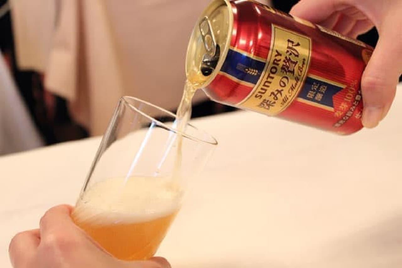 ビールをグラスに注ぐ瞬間って、なんでワクワクするんでしょう