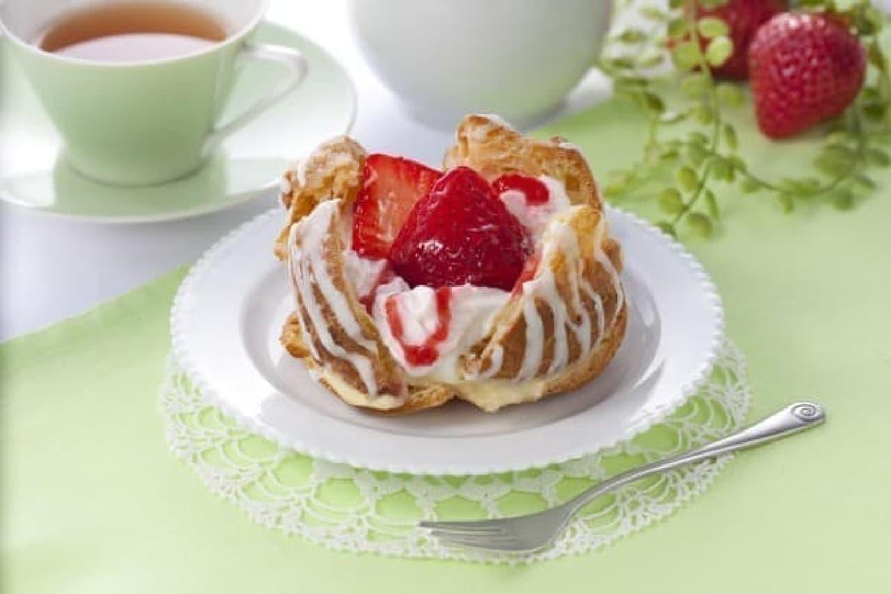 苺のシュークリーム