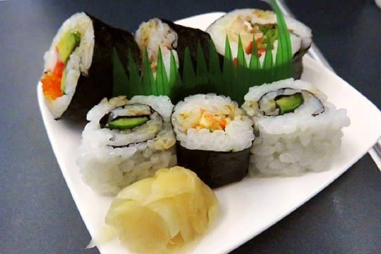 ちなみにお寿司はこんな感じ。  味付けはマヨネーズで、洋風でした