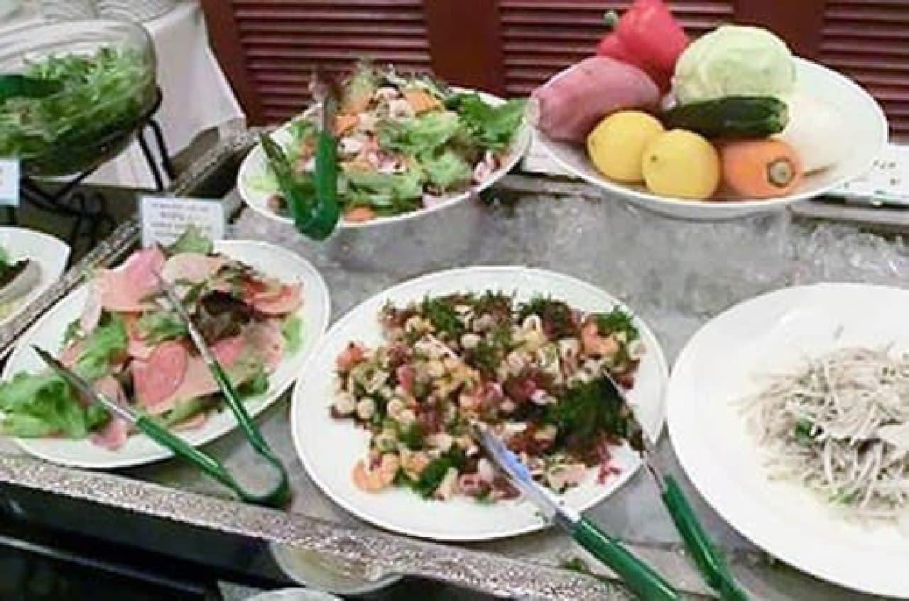 鹿児島郷土料理も楽しめるバイキング(出典:トリップアドバイザー)