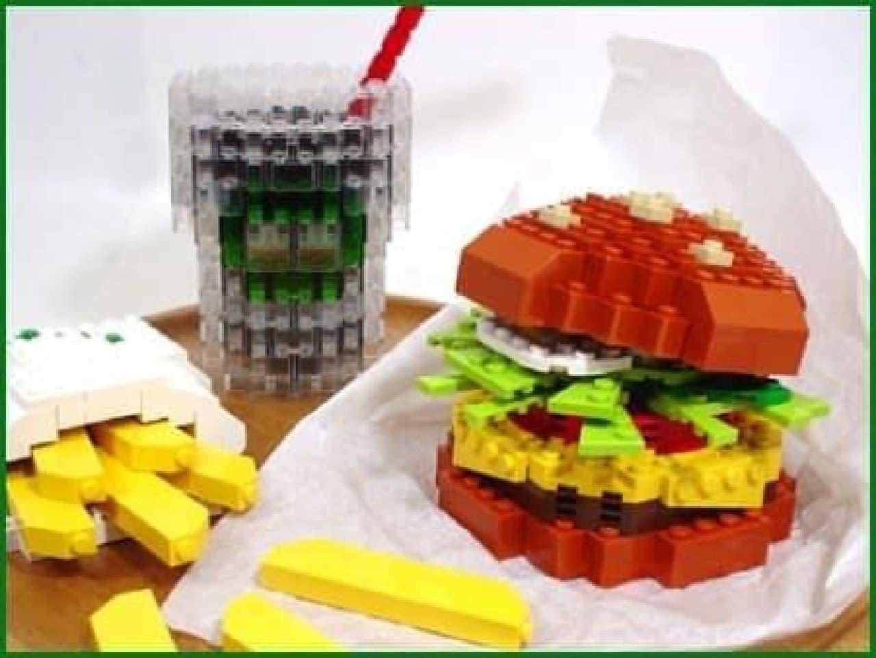 ポテトとジュースもセットで  (出典:Let's LEGO)