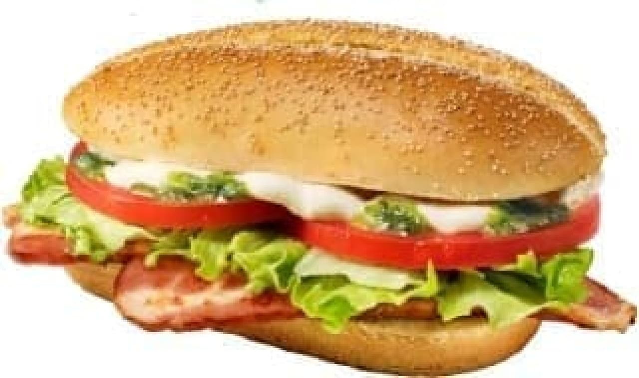 W ソースの BLT など、夏限定バーガーが登場