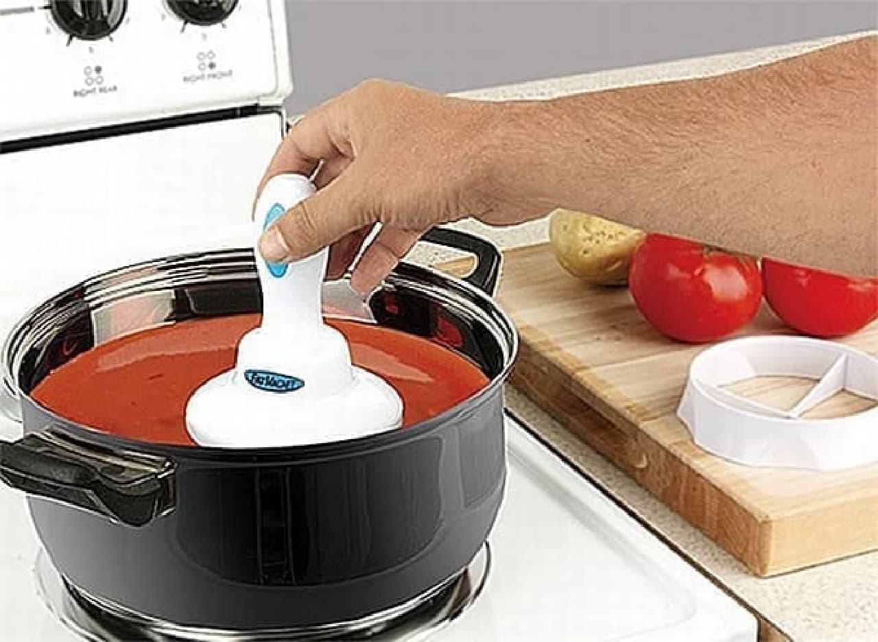 シチューやスープなどの表面を滑らせます