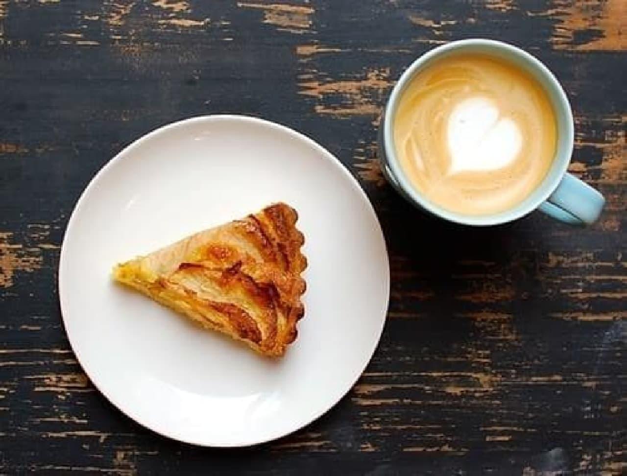 おいしいコーヒーと、季節の焼菓子はいかが?