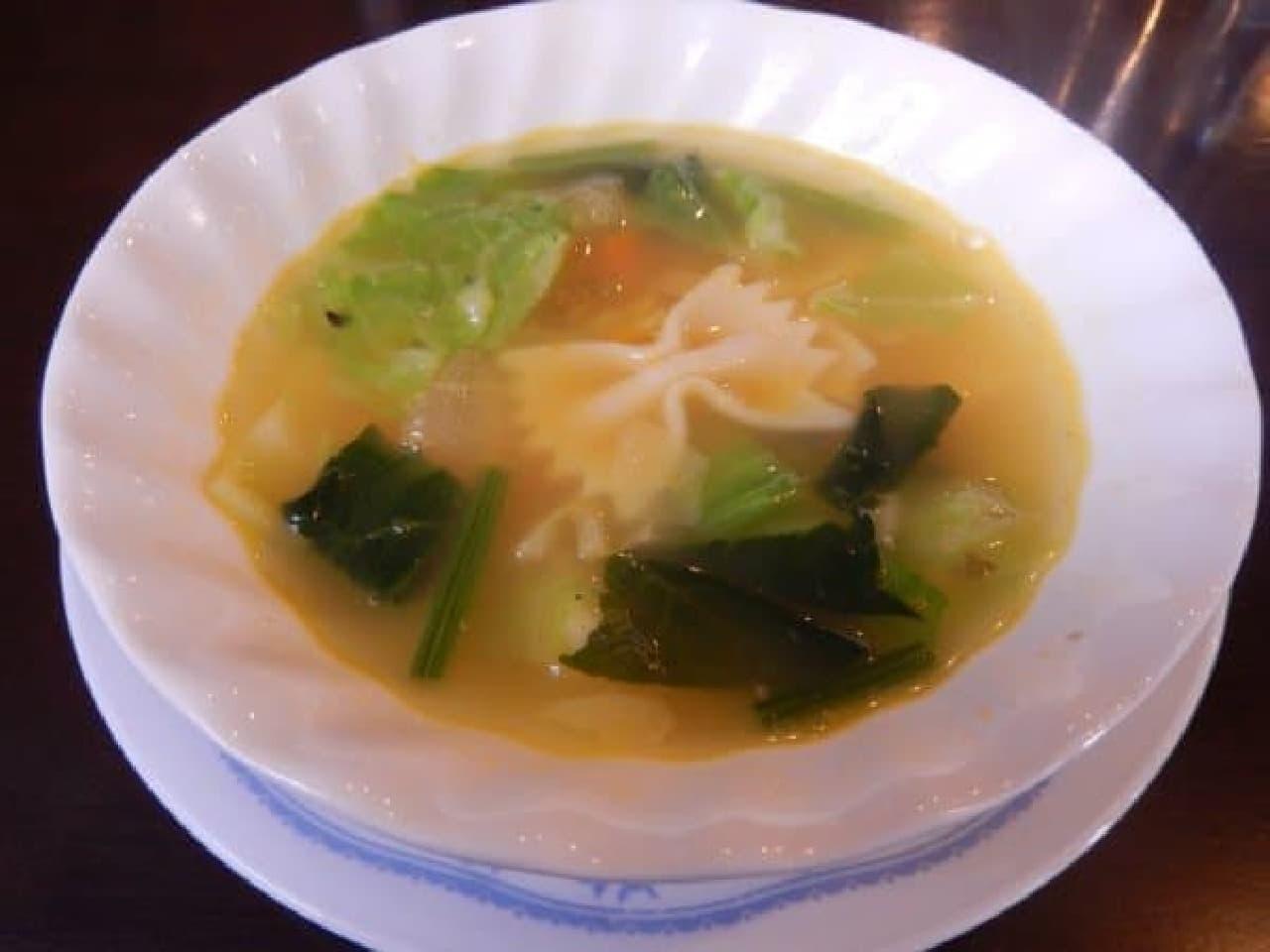 野菜がたっぷり入ったスープ
