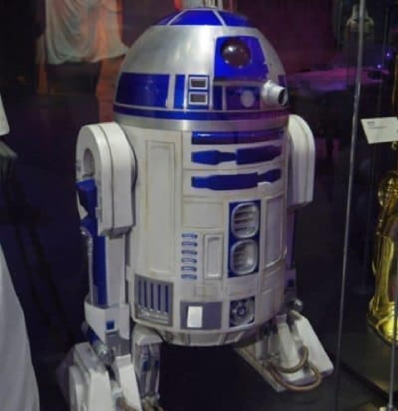 The Tech で展示されている R2-D2。サイズ感は同じ...?  (出典:The Tech ホームページ)