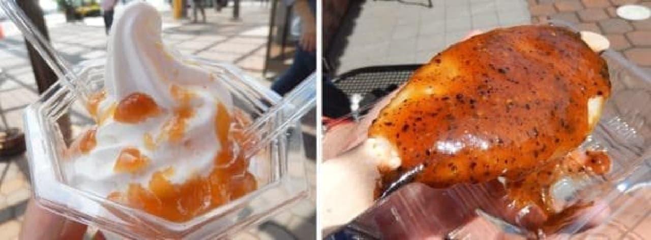不思議な美味しさ「みそソフト」(左)と  甘辛いタレがかかった「五平餅」(右)