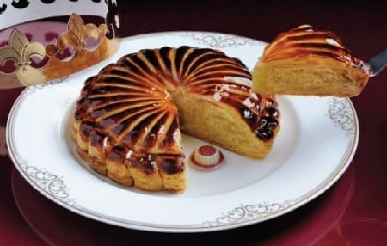 縁起の良いフランスの伝統菓子「ガレット デ ロア」
