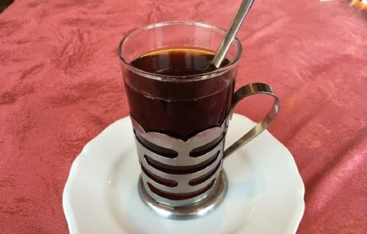 お酒が入った紅茶なんて、オシャレ
