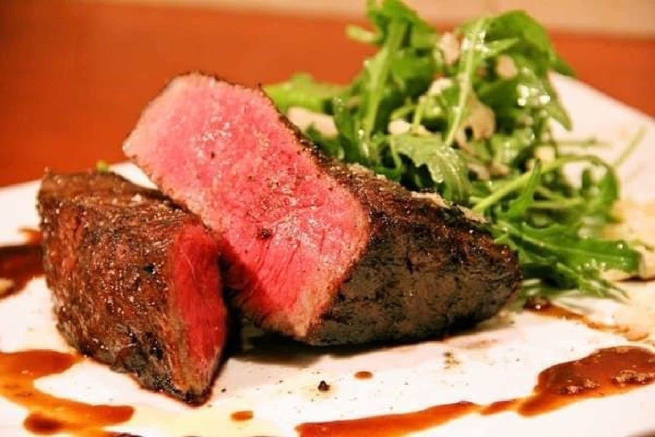 日本初!? ステーキの焼き上がり時間に合わせて来店する  新スタイルのレストラン