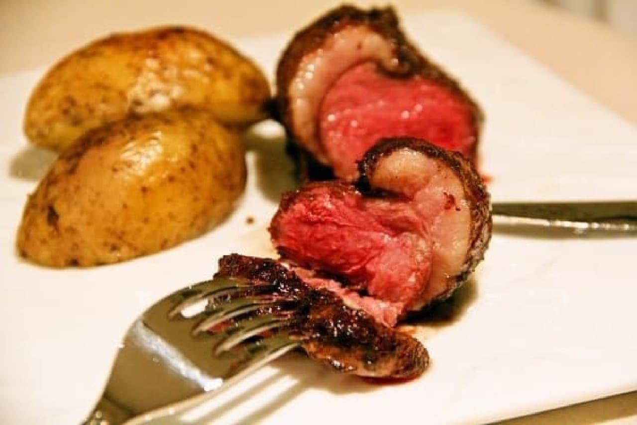 凝縮された肉の旨みをご堪能あれ