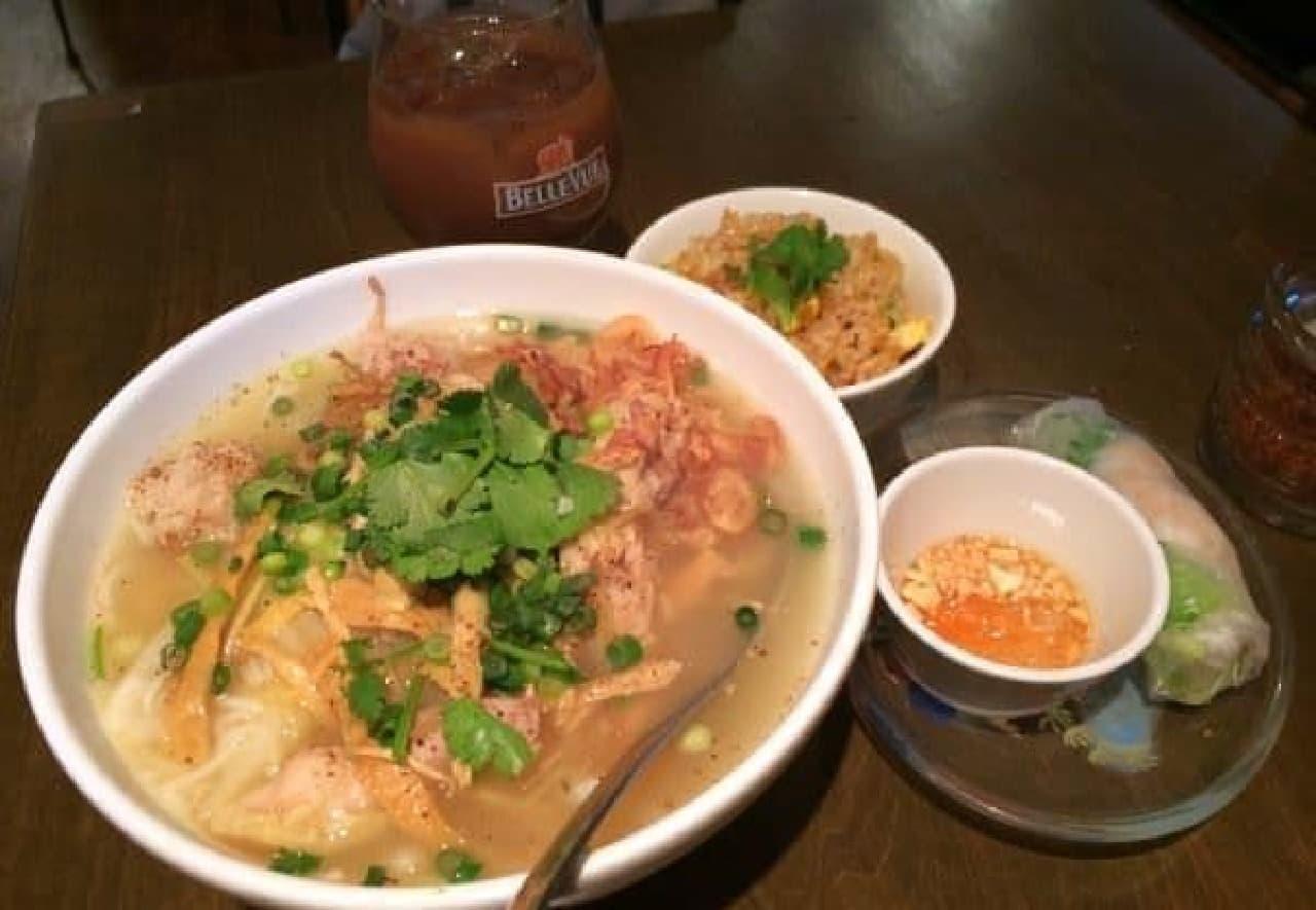 ベトナム料理がずらーり