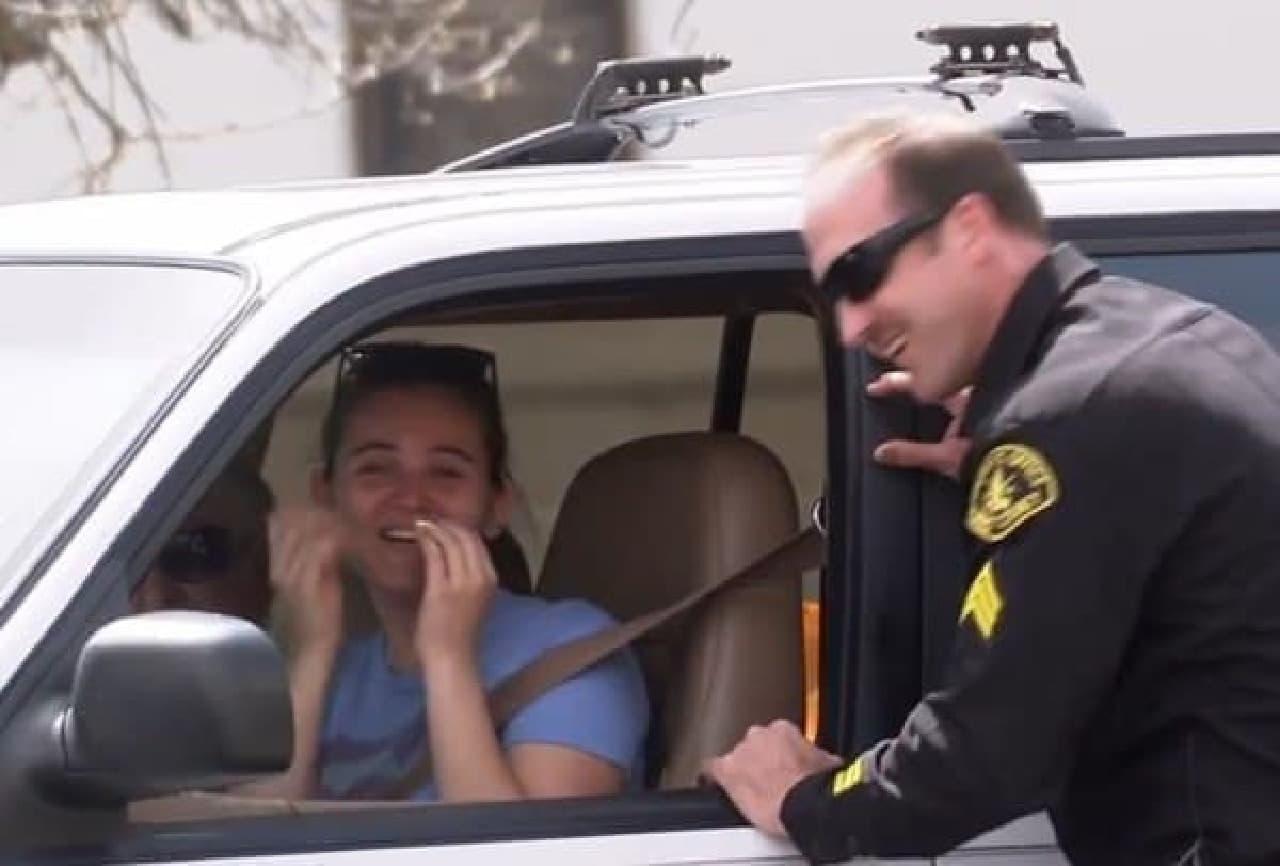 ドライバー「怖かったよう(涙)」  警察官「ごめんねー」