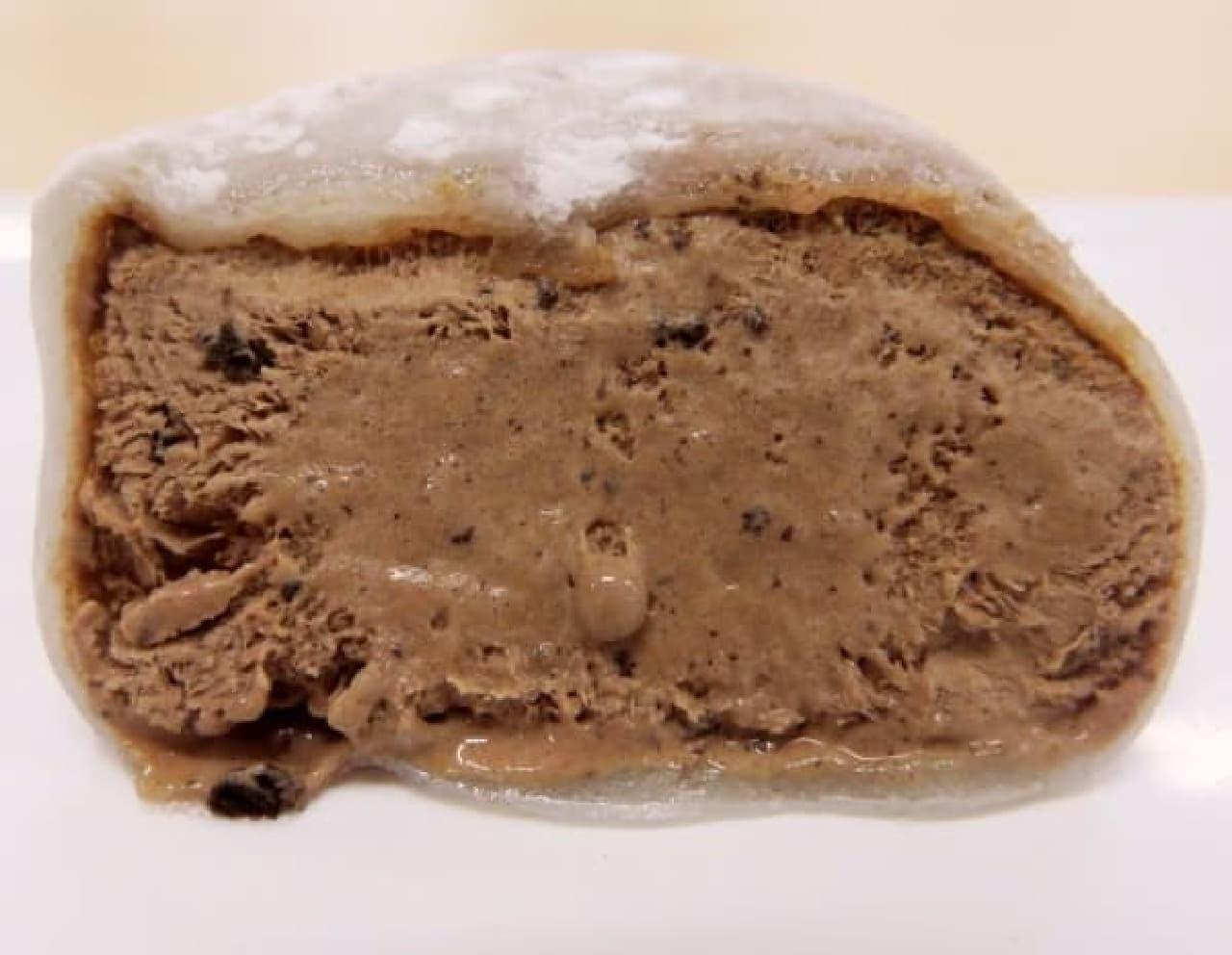 黒いつぶつぶがクッキークランチ