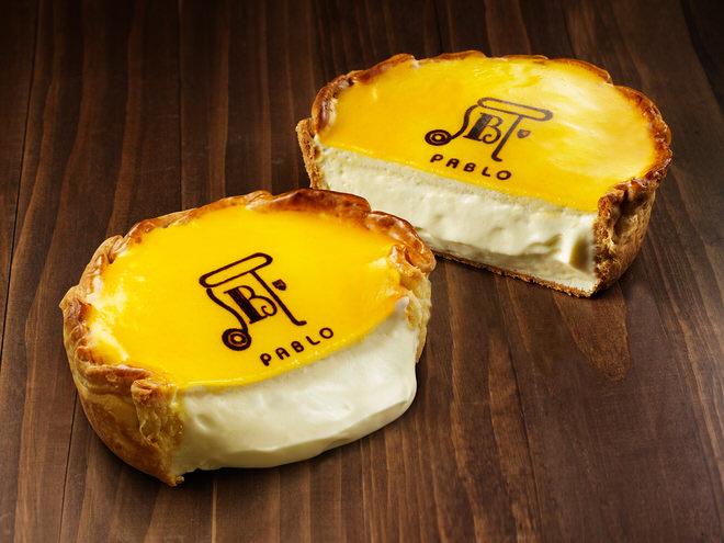 看板商品「焼きたてチーズタルト」