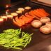 手前のインゲンのような野菜は、鉄分豊富な金針菜(YAGOTO-TEI)