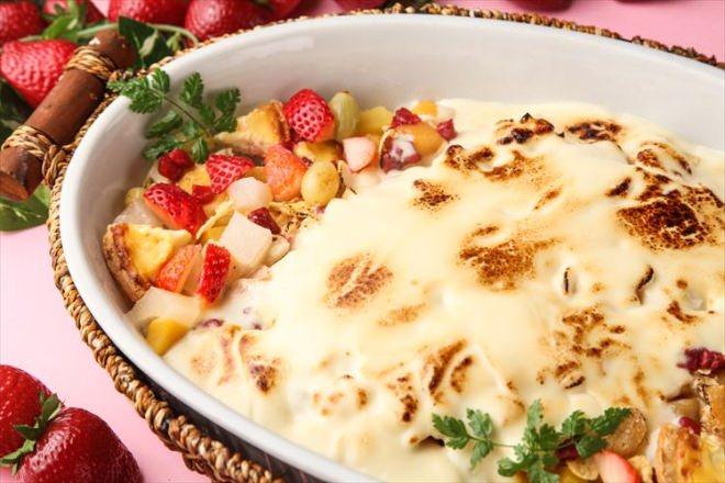 いちごのフルーツのチョコレートグラタン