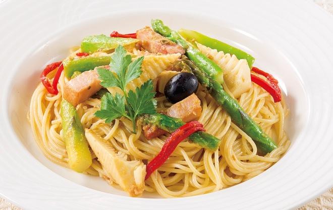 季節野菜のスパゲティ オリーブソース