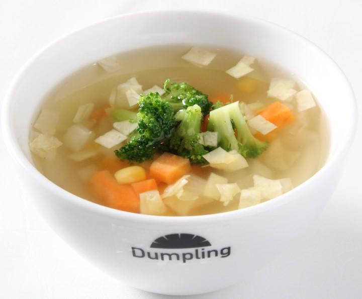 1/2日分緑黄色野菜のコンソメスープ餃子