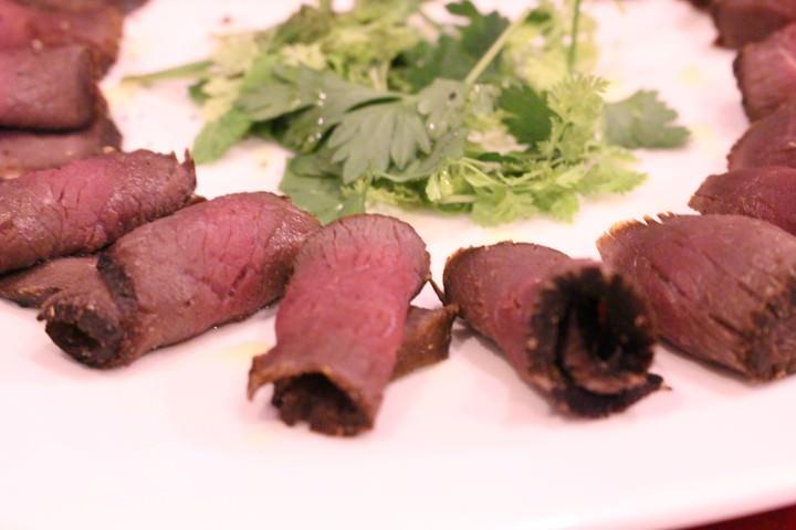 鹿肉のスモーク山椒風味
